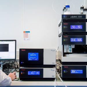 UHPLC Thermo Scientific Ultimate 3000